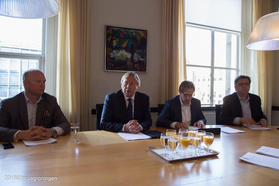 politiek-persconferentie-forum-1-900x600